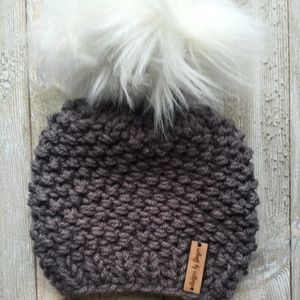 Other - Knitted Baby Hat with Faux Fur Pom - Chunky Knit